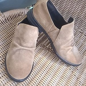 Eileen Fisher Ale Loafers Size 6.5 Tan Suede